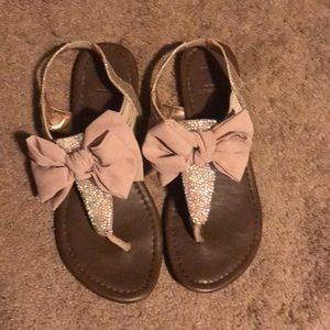 Size 5 pink bow sandals